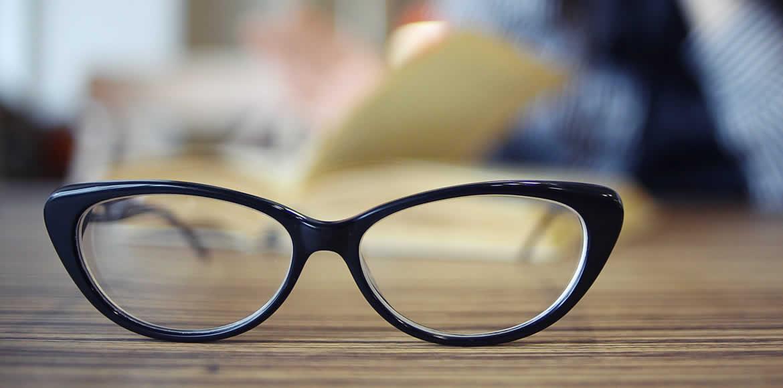 7b0e8db5f21 Glasses    Andrew Care Opticians